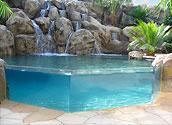 Остекление стены бассейна под разными углами