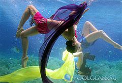 Стеклянный бассейн для подводных шоу