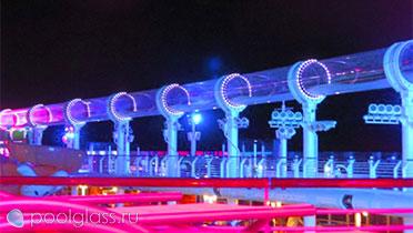 Аквапарк ночью