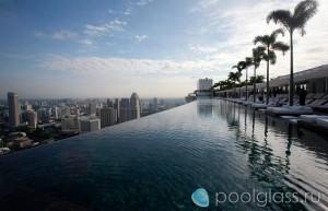Сингапур, переливной бассейн в мегаполисе