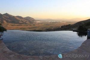 Бассейн-инфинити в Южной Калифорнии