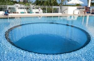 Остекление дна бассейна в Wellness зоне
