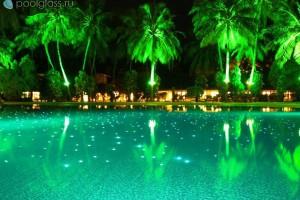 Интенсивность освещения бассейна