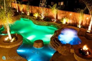 Точечное освещение в бассейне