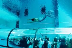 Акриловое остекление бассейна